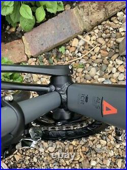 Cube Attain Sl Disc Road Bike 2017 Shimano 105 Hydraulic Disc Mavic Aksium £1300