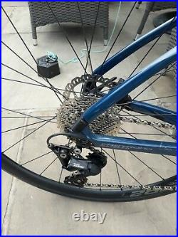 GIANT FASTROAD Advanced Full Carbon Hydraulic Disc with Shimano 105 Groupset Med