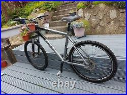 Giant Terrago Mountain Bike. New lockout forks. Hydraulic brakes. Large frame
