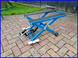 Hydraulic motorbike bike lift