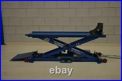 TyreON TSC300 scooter lift table pneumatic clamp, lifting height 120cm 230V